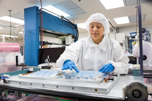 Clean Room Fabrication - ISO Class 7 and ISO Class 8 Clean Rooms | UFP Technologies